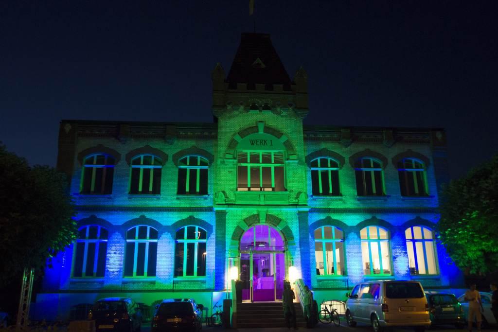 2-Fassadenbeleuchtung-Lichttechnik-Veranstaltungstechnik-Pro Rent GmbH