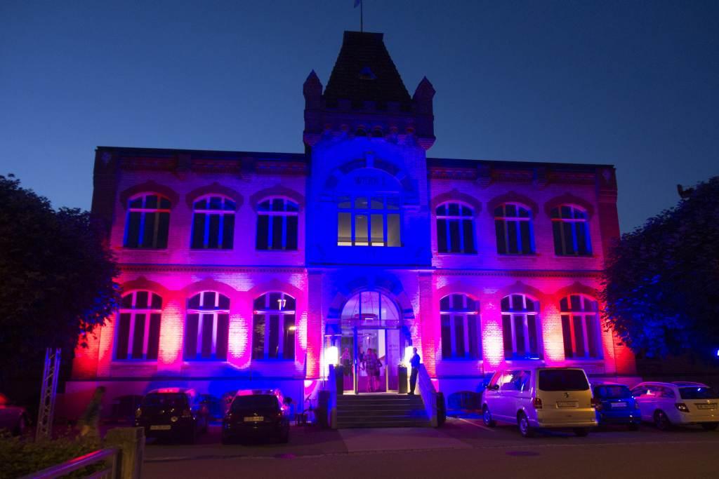 Hauptbild-Fassadenbeleuchtung-Lichttechnik-Veranstaltungstechnik-Pro Rent GmbH